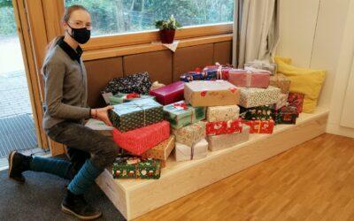 Ein Schuhkarton voller Weihnachtswünsche